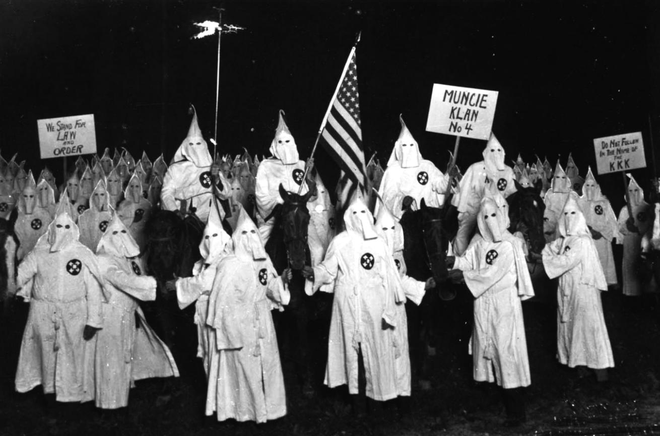 Ku Klux Klan, el odio bajo las capuchas blancas